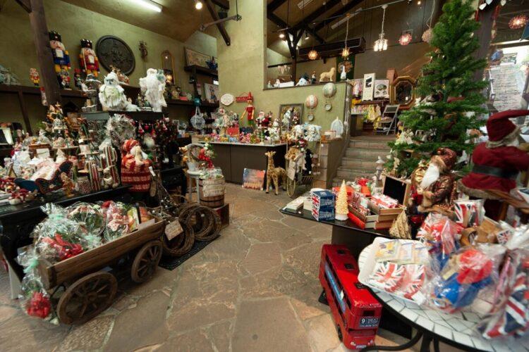 ハートバザール | ロックハート城敷地内、坂の途中にあるお店